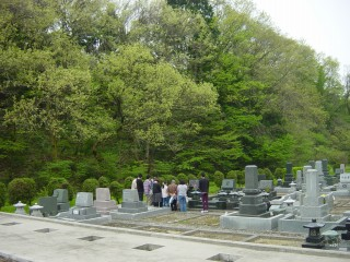 墓前礼拝.jpg